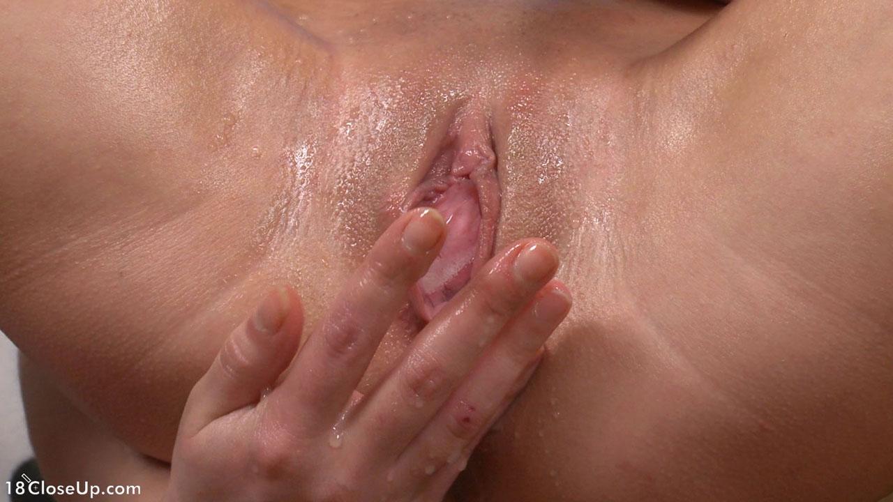 мастурбация молодых кисок крупно этот
