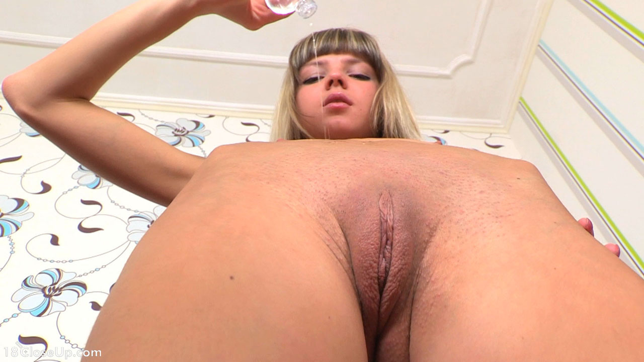 18yo gapes her perfect peach shaped pussy - 1 3